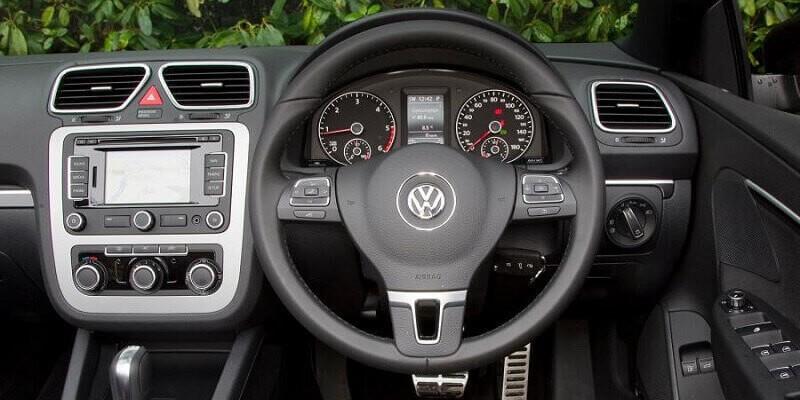 VW Eos (Volante a la derecha)